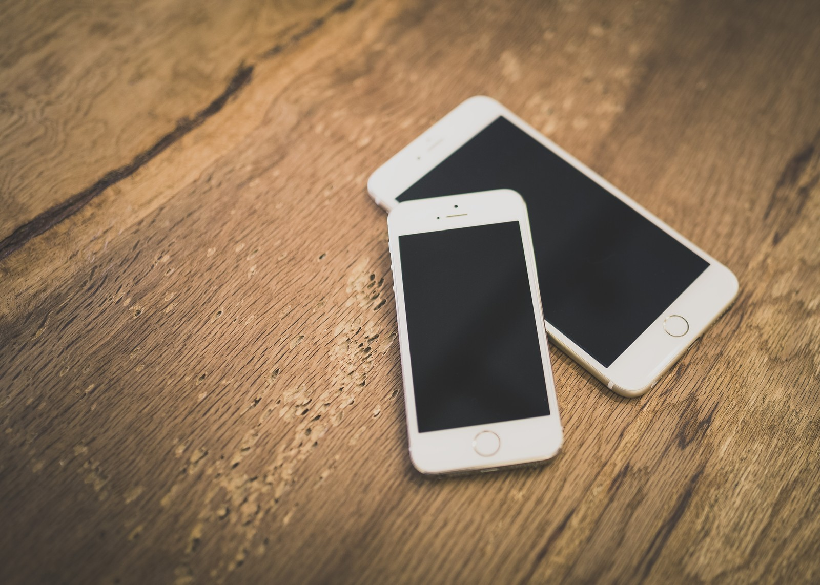 iPhoneの写真や動画を消して空き容量を空けたいけど、空かない時の原因は?