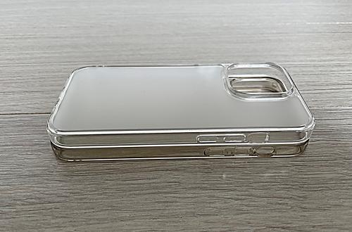 iPhone 13 ProとiPhone 12 Proのケースでボタン位置比較